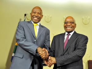 Lesetja Kganyago (L) and Jacob Zuma (R)